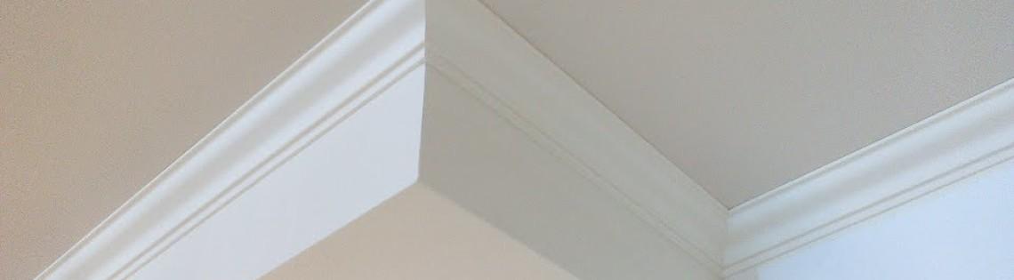 'Как правильно сделать поклейку багета на потолок своими руками