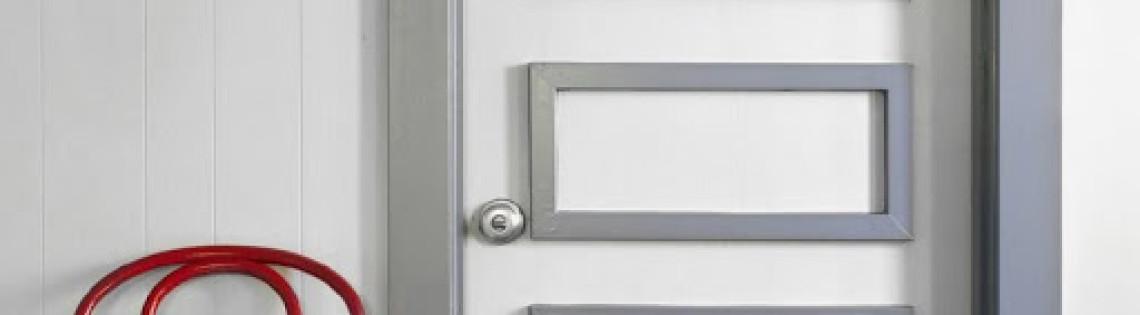 'Описание техник обновления старых межкомнатных дверей