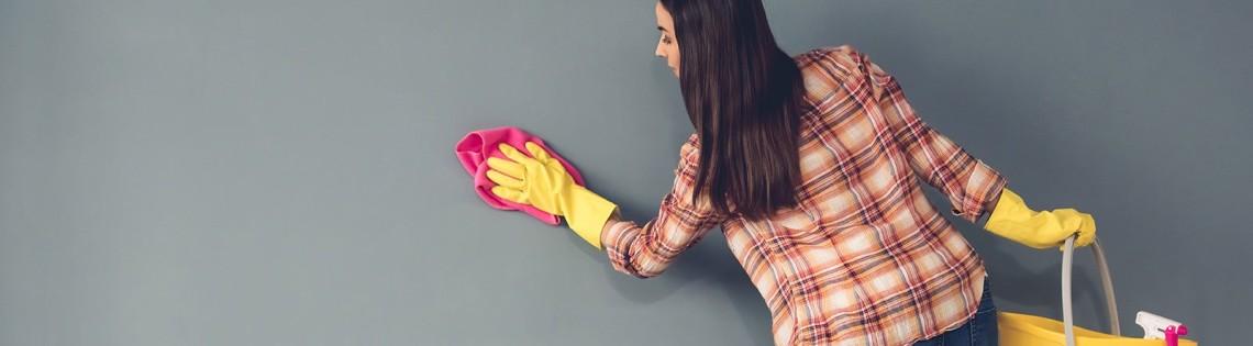 'Как помыть потолок окрашенный водоэмульсионным средством