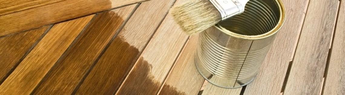 'Каким ЛКМ можно окрасить деревянную лестницу в доме