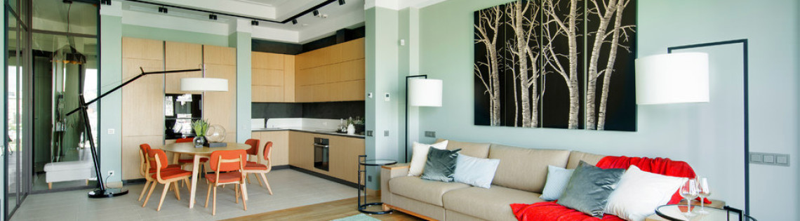 'Квартиры и загородные дома с разновидностями интерьеров мятных оттенков
