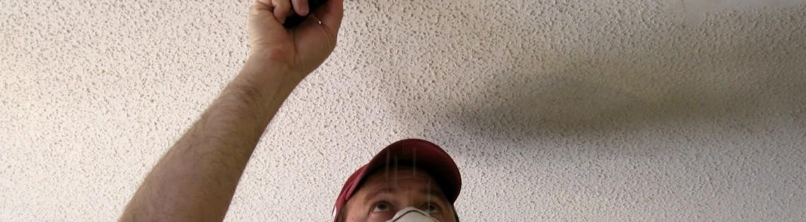 'Способы очистки поверхности потолка от клея для потолочной плитки