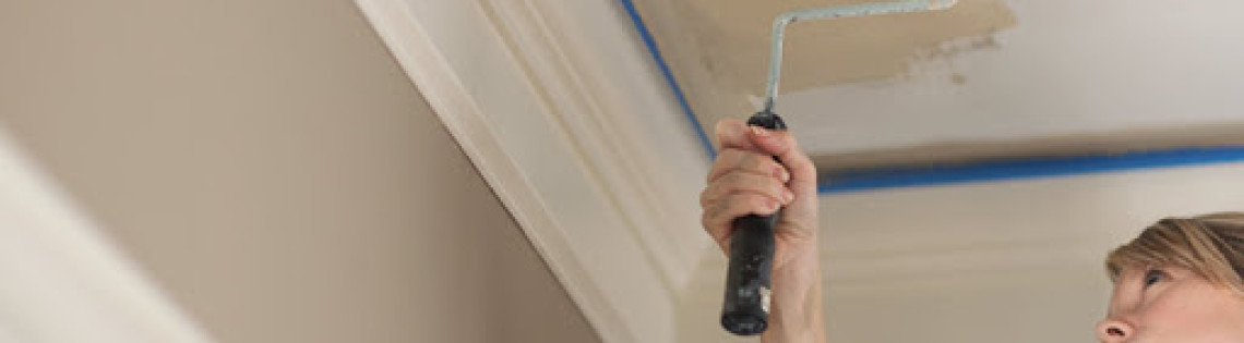 'Типичные ошибки новичков во время покраски потолка