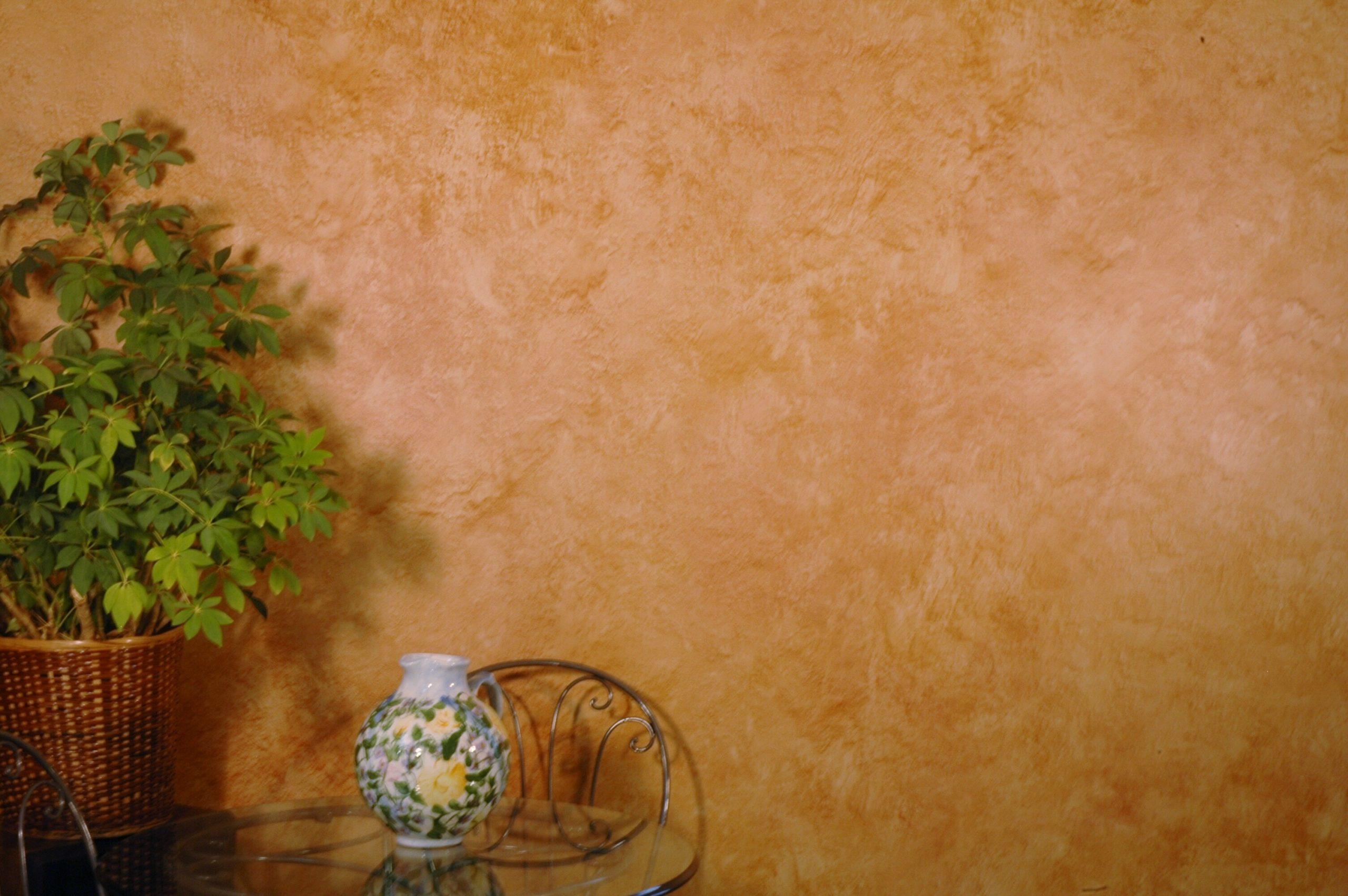 Покраска стен методом лессировки