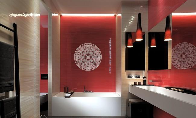 красная ванная комната в японском стиле