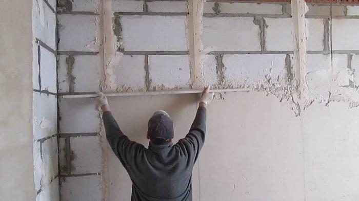 ошибка при штукатурке стен