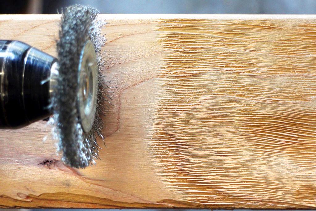 щетка металлическая для состаривания древесины
