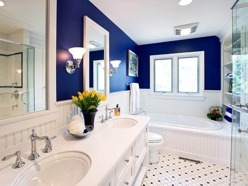 бело синяя ванная комната