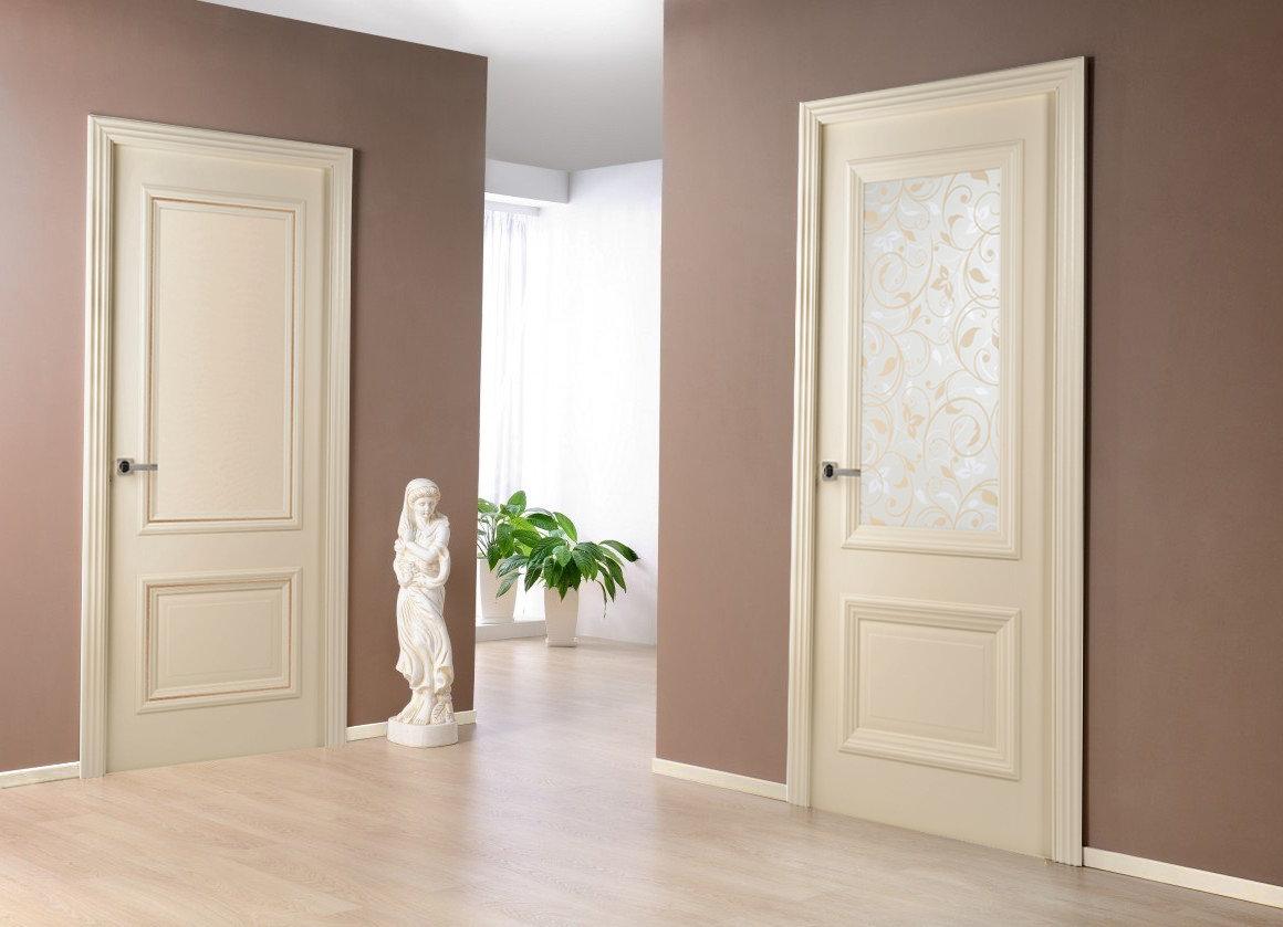 плинтус под цвет дверей