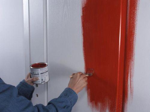 окрашивание старой двери