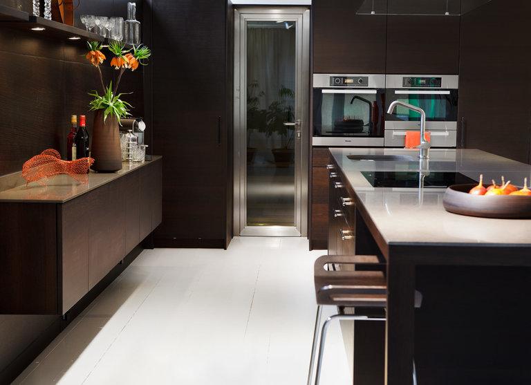 шоколадный интерьер кухня
