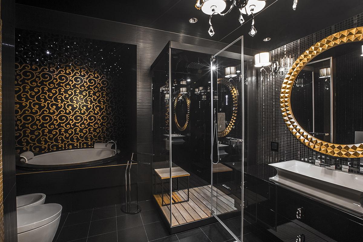 черная ванная с золотыми деталями