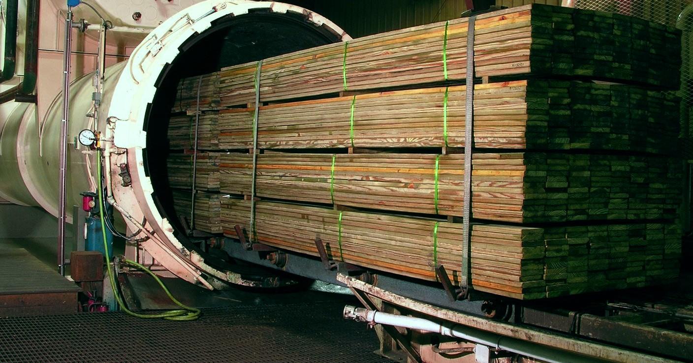 древесина, пропитанная под давлением