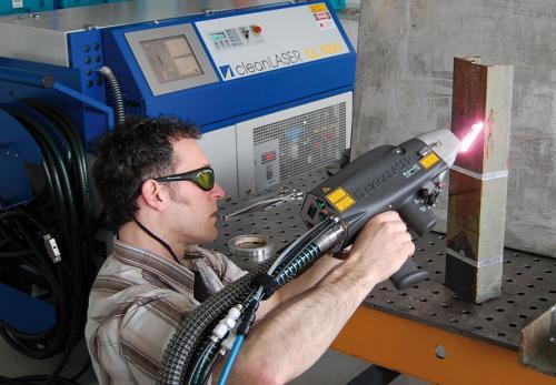 Установка для зачистки металлической поверхности