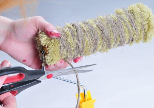 как сделать декоративный валик с помощью веревки