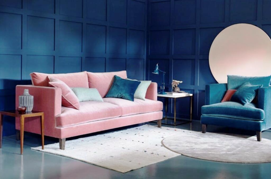 синий с розовым интерьер