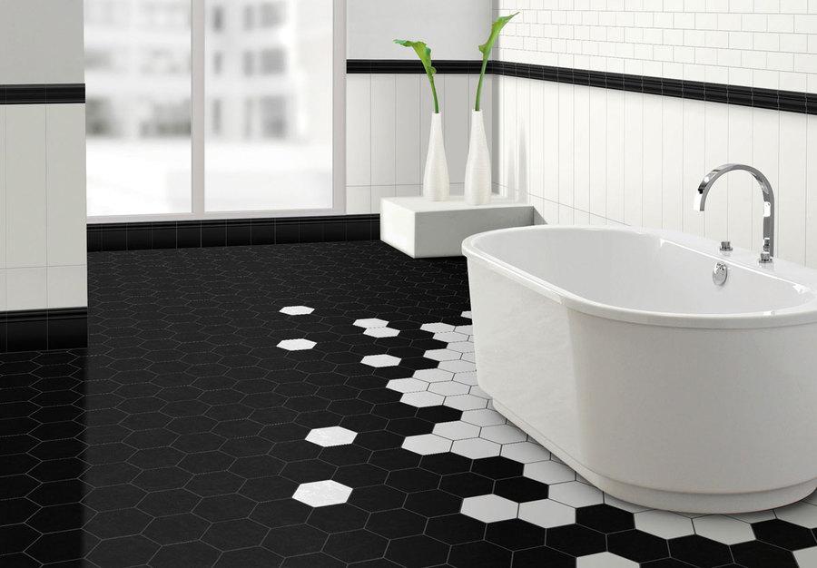 черно белый интерьер ванной