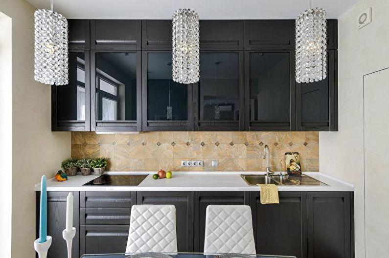 черно-белая кухня в классическом стиле