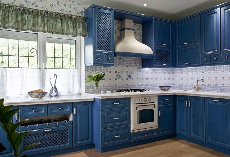 синий интерьер в стиле прованс