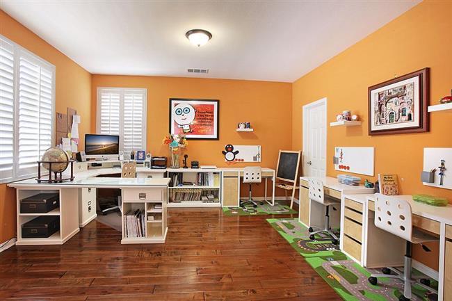 оранжевый в интерьере кабинета