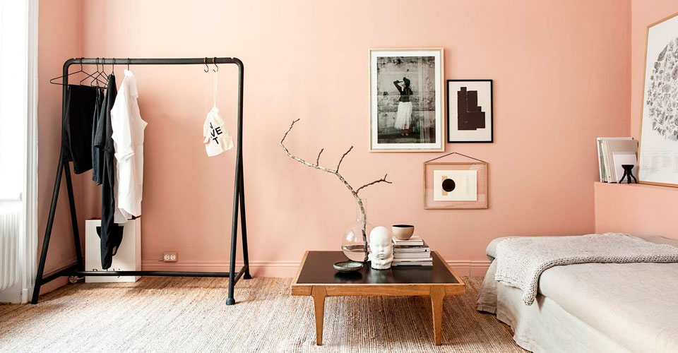 интерьер цвета персика